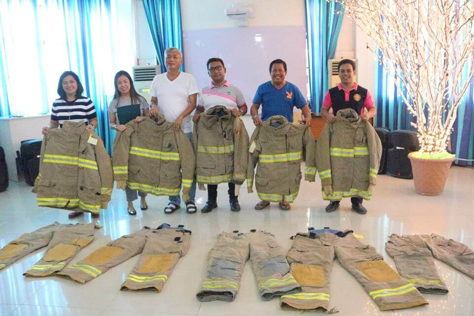 Debt of Gratitude – Donation from Canada,Firefighters without borders and Rotary Club of Cebu West thru Johnson Dy and Cherrylen Seniedo-Roble.